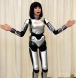 Женски робот